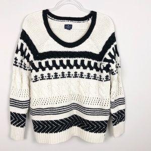 American Eagle Mixed Stitch Black/ White Sweater
